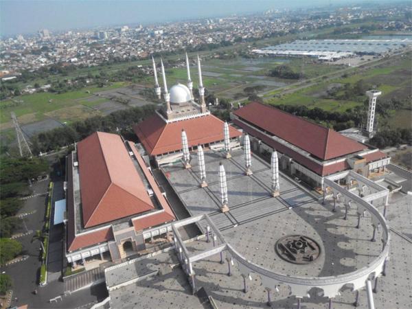 Masjid Agung Jawa Tengah view dari Menara Al-Husna